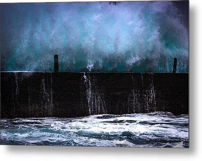 Metal Print featuring the photograph Powerful by Edgar Laureano