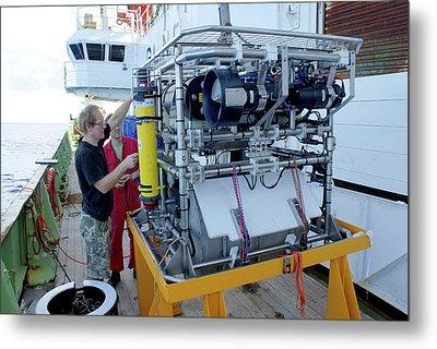 Preparing Robotic Underwater Vehicle Metal Print by B. Murton/southampton Oceanography Centre