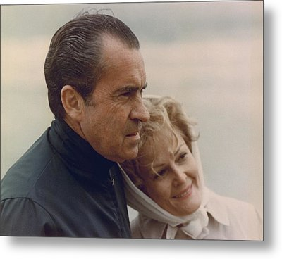 President And Pat Nixon In An Metal Print by Everett