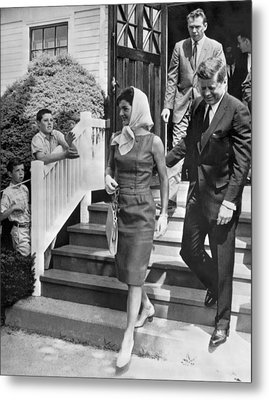 President Kennedy And Jackie Metal Print by Underwood Archives