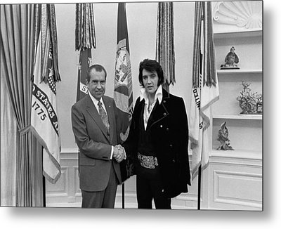 President Richard Nixon And Elvis Metal Print by Everett