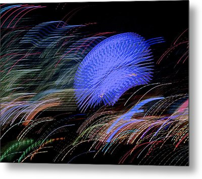 Pretty Little Cosmo - 5 Metal Print by Larry Knipfing