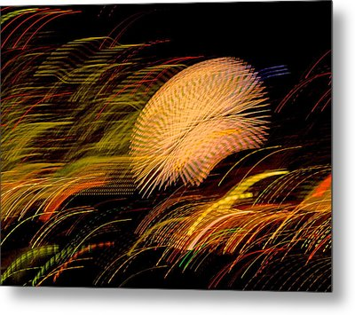 Pretty Little Cosmo - 10 Metal Print by Larry Knipfing