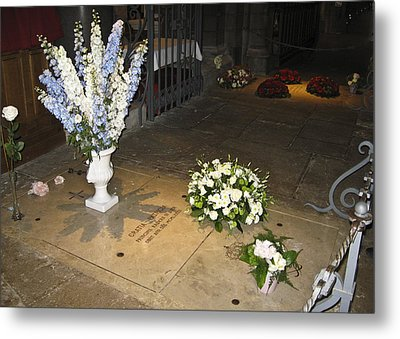 Metal Print featuring the photograph Princess Grace Tomb by Allen Sheffield