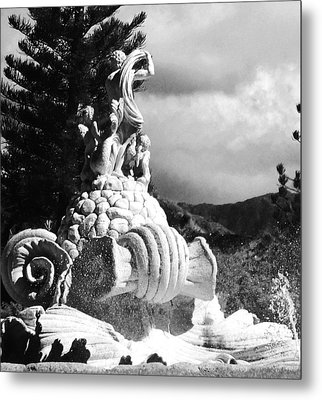 Metal Print featuring the photograph Princeville Black And White by Alohi Fujimoto
