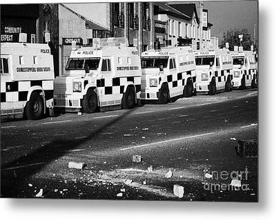 Psni Armoured Land Rovers And Debris On Crumlin Road At Ardoyne Shops Belfast 12th July Metal Print by Joe Fox