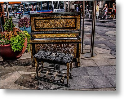 Public Piano Metal Print by Ray Congrove