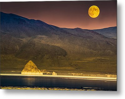 Pyramid Lake Moonrise Metal Print by Janis Knight