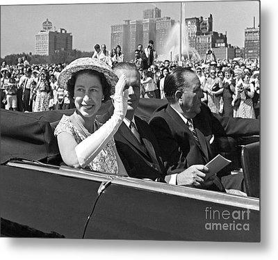 Queen Elizabeth In Chicago 1959 Metal Print