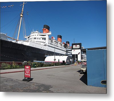 Queen Mary - 12123 Metal Print by DC Photographer