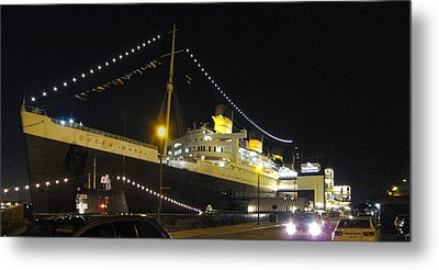 Queen Mary - 12125 Metal Print by DC Photographer