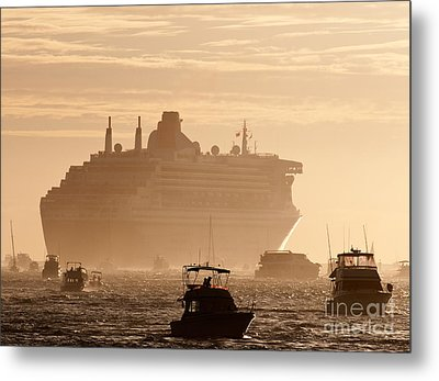 Queen Mary 2 Leaving Port 02 Metal Print by Rick Piper Photography