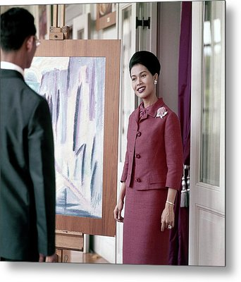 Queen Sirikit Of Thailand Looking At A Painting Metal Print