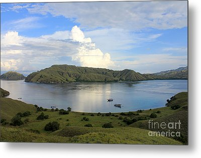 Metal Print featuring the photograph Quiet Bay by Sergey Lukashin