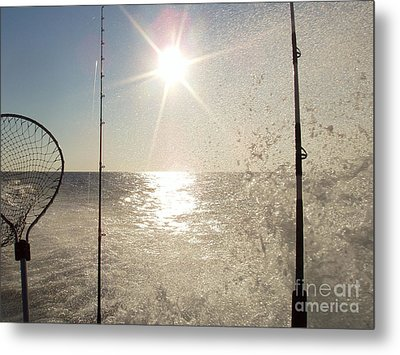 Racing To The Fishing Grounds Metal Print by John Telfer