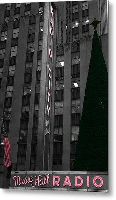 Radio City Christmas Tree Metal Print by Dan Sproul