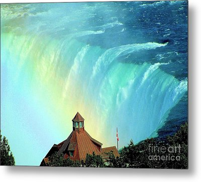 Metal Print featuring the photograph Rainbow Over Horseshoe Falls by Janette Boyd