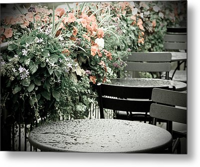 Rainy Day At The Cafe Metal Print by Erin Kohlenberg