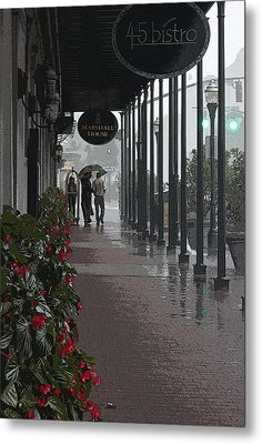 Rainy Day In Savannah - Marshall House Metal Print by Suzanne Gaff