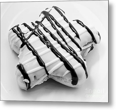 Raised Iced Star Shaped Donut - Chocolate Drizzles - Baker- Bakery - Bw  Metal Print by Andee Design