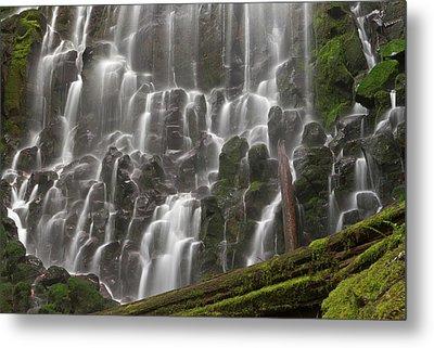 Ramona Falls In Clackamas County, Oregon Metal Print by William Sutton