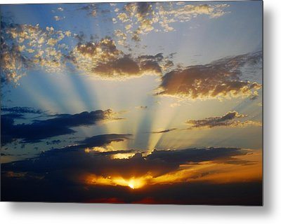 Rays At Sunset Metal Print by Dorothy Berry-Lound