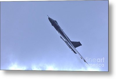 Metal Print featuring the photograph Reach For The Skys by John Williams