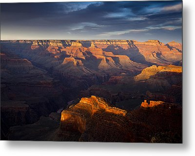 Receding Light At The Canyon Metal Print by Andrew Soundarajan