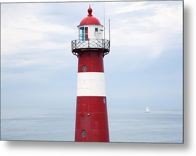 Red And White Lighthouse Metal Print by Peter Zoeller