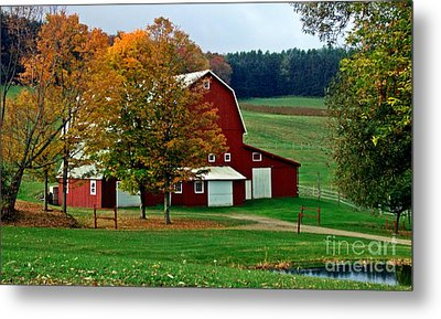 Red Barn In Autumn Metal Print by Christian Mattison