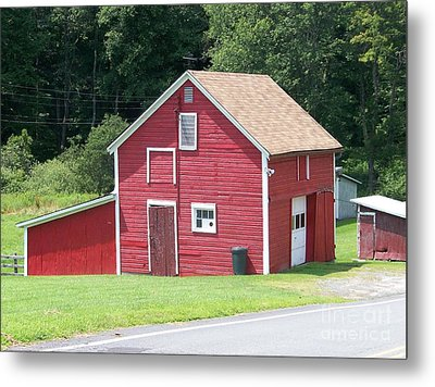 Red Barn Metal Print by Kevin Croitz