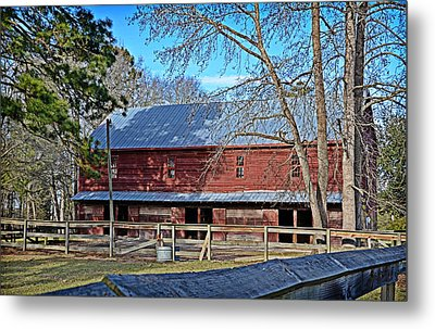Red Barn Metal Print by Linda Brown