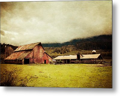 Red Barn Metal Print by Takeshi Okada