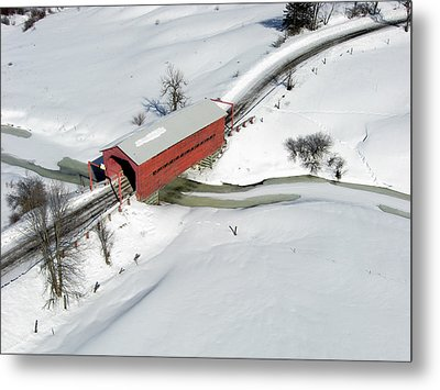 Red Covered Bridge Metal Print by Rob Huntley