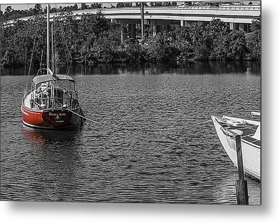 Red E 2 Sail Metal Print by Barry Jones