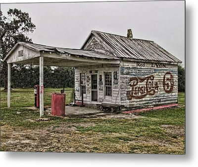 Red Lyon Country Store Metal Print by Victor Montgomery