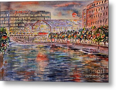 Red Moon Over Berlin Metal Print by Alfred Motzer