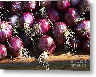 Red Onions Metal Print by Tony Cordoza