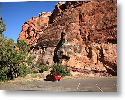 Red Rock And Red Car Metal Print by Frank Romeo