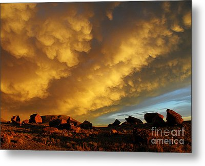 Red Rock Coulee Sunset Metal Print by Vivian Christopher