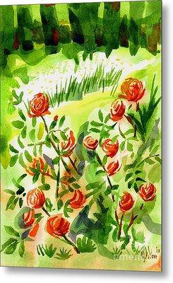 Red Roses With Daisies In The Garden Metal Print by Kip DeVore