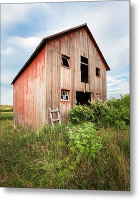 Red Shack On Tucker Rd - Vertical Composition Metal Print by Gary Heller