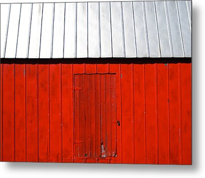 Red Shed Metal Print by Sheryl Burns