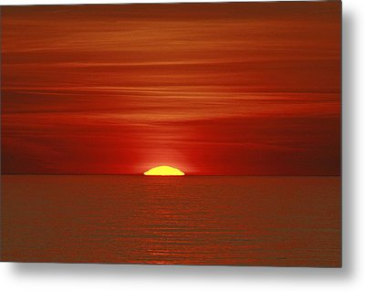 Red Sky At Night Metal Print by Michael Allen