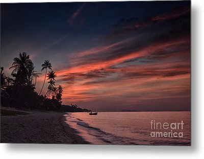 Red Sunset Metal Print by Michelle Meenawong