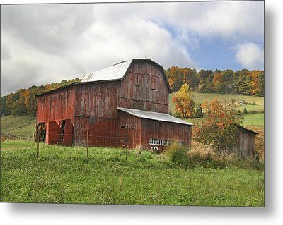 Metal Print featuring the photograph Red Tobacco Drying Barn by Robert Camp