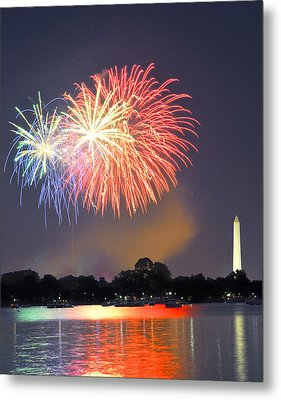 Red White And Blue Over The Potomac Metal Print