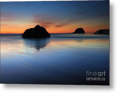 Reflections At Dusk Metal Print by Mike Dawson