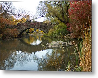 Metal Print featuring the photograph Reflections Of Gapstow Bridge by Jose Oquendo