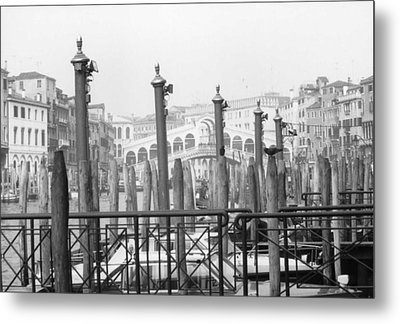 Rialto Bridge Venice Metal Print by Dorothy Berry-Lound